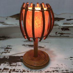 Lampe de table vintage en rotin